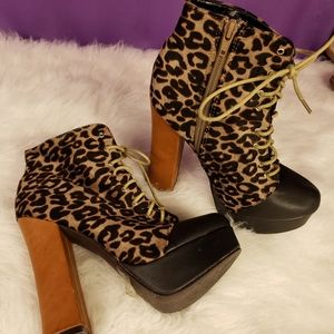 C label cheetah print heels size 6.5